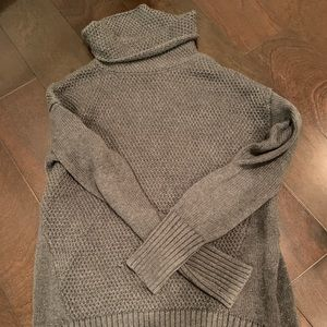 Athleta Gray Knit Sweater Size Small